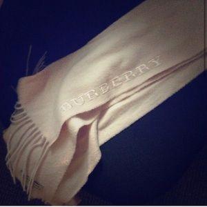 100% cashmere Burberry scarf